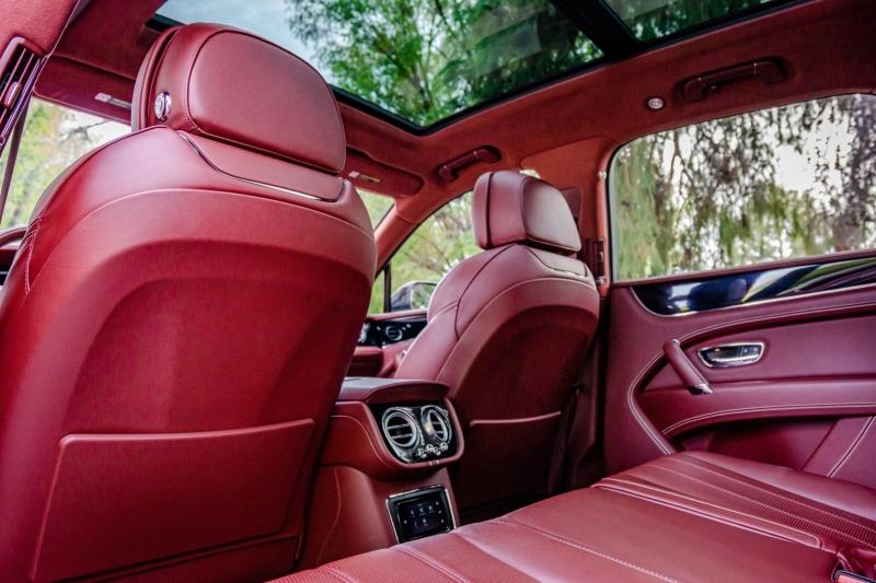 Bentley Bentayga Carbon Package 2019 price $189,800