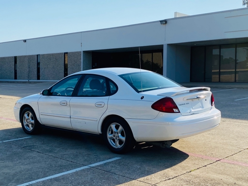 FORD TAURUS 2003 price $2,990