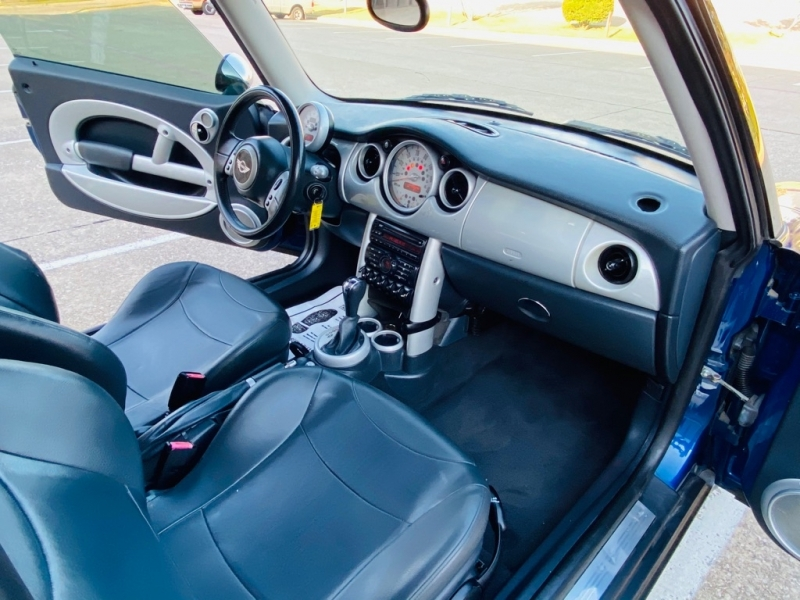 MINI COOPER 2003 price $3,990