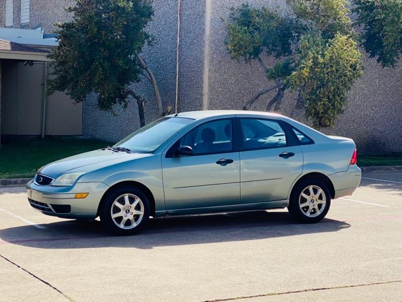 FORD FOCUS 2005 price $2,990