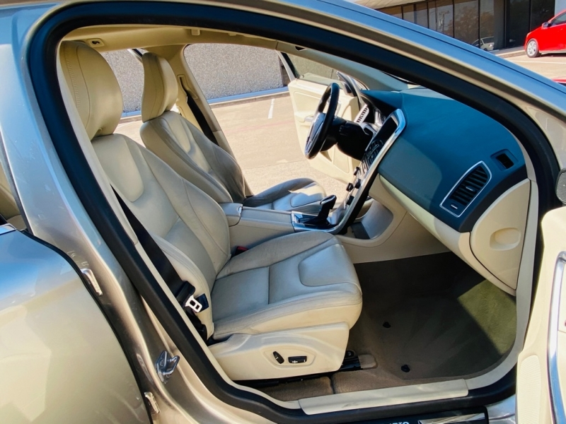 VOLVO XC60 2014 price $6,990