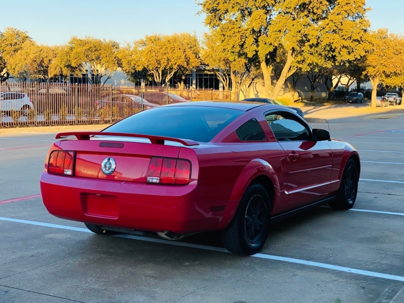 FORD MUSTANG 2005 price $4,990
