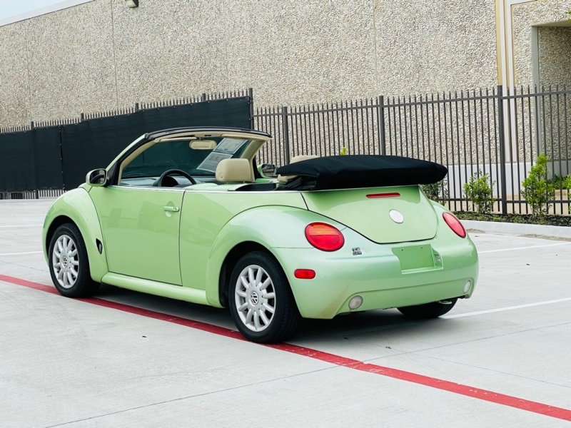 VOLKSWAGEN NEW BEETLE 2005 price Call for Pricing.