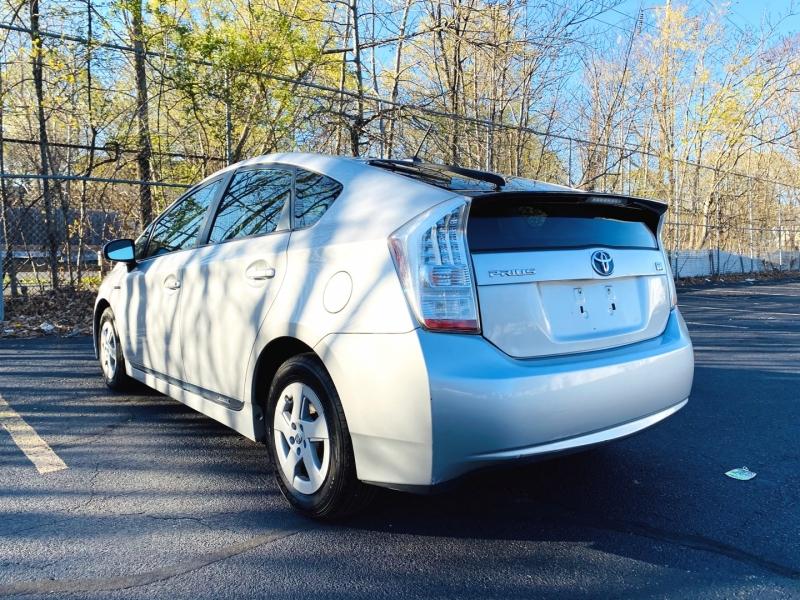 Toyota Prius 2010 price $9,900