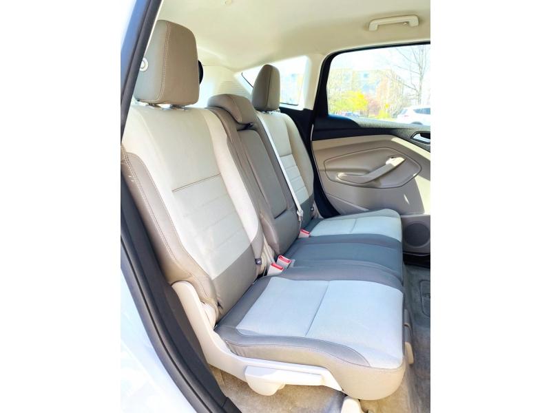 Ford C-Max Hybrid 2015 price $10,900