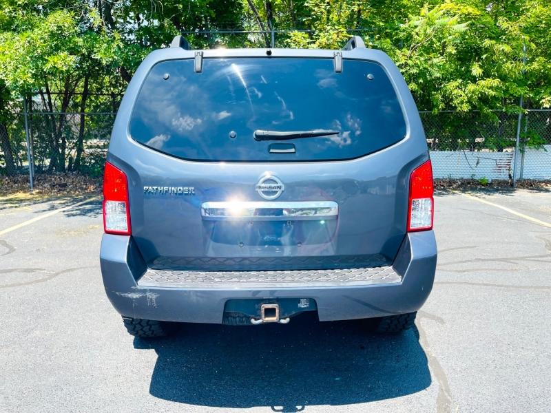 Nissan Pathfinder 2011 price $12,900