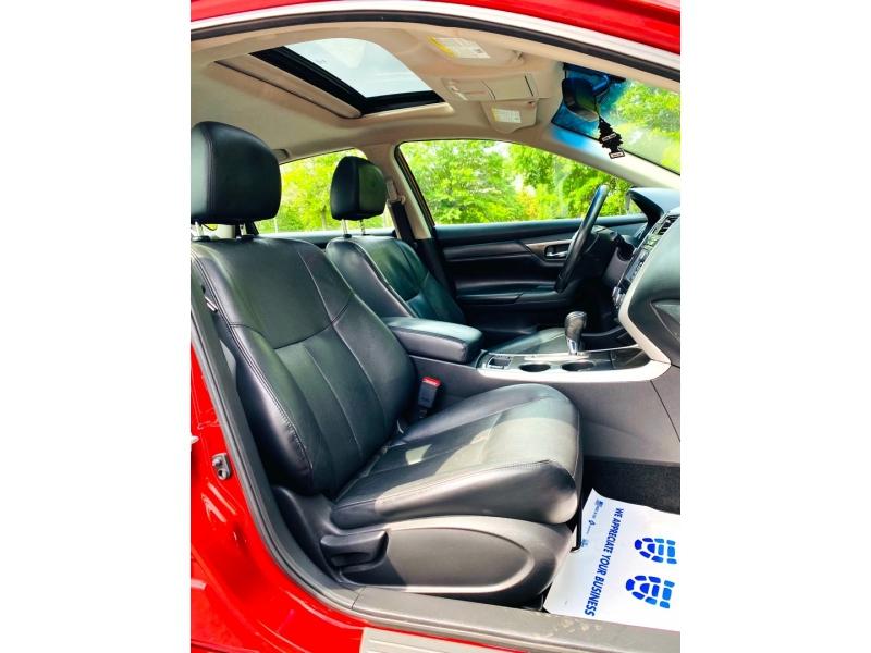 Nissan Altima 2014 price $12,900