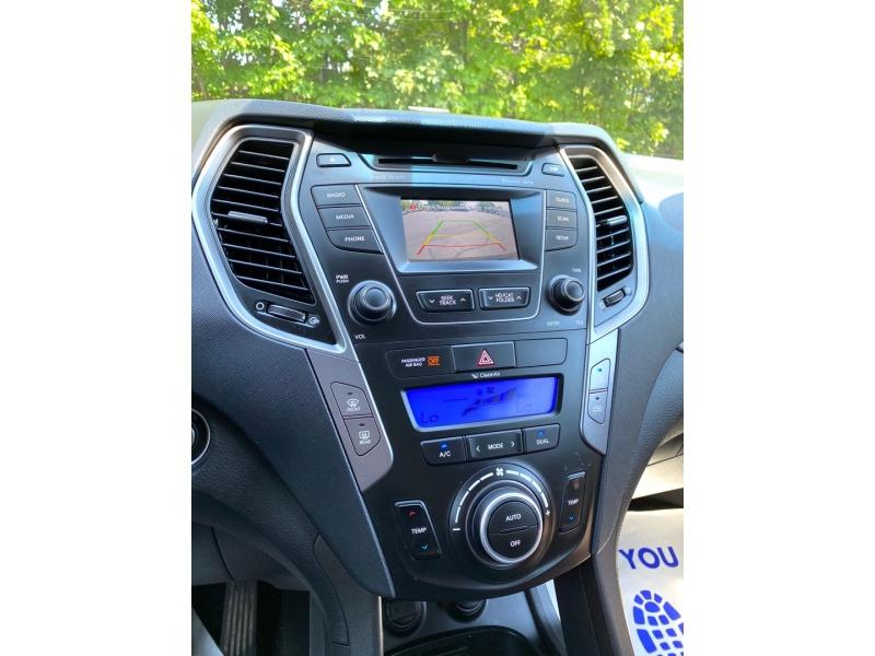 Hyundai Santa Fe 2013 price $14,900