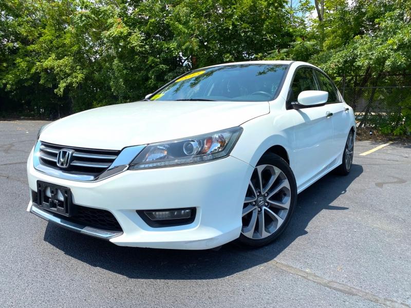 Honda Accord Sedan 2015 price $14,900