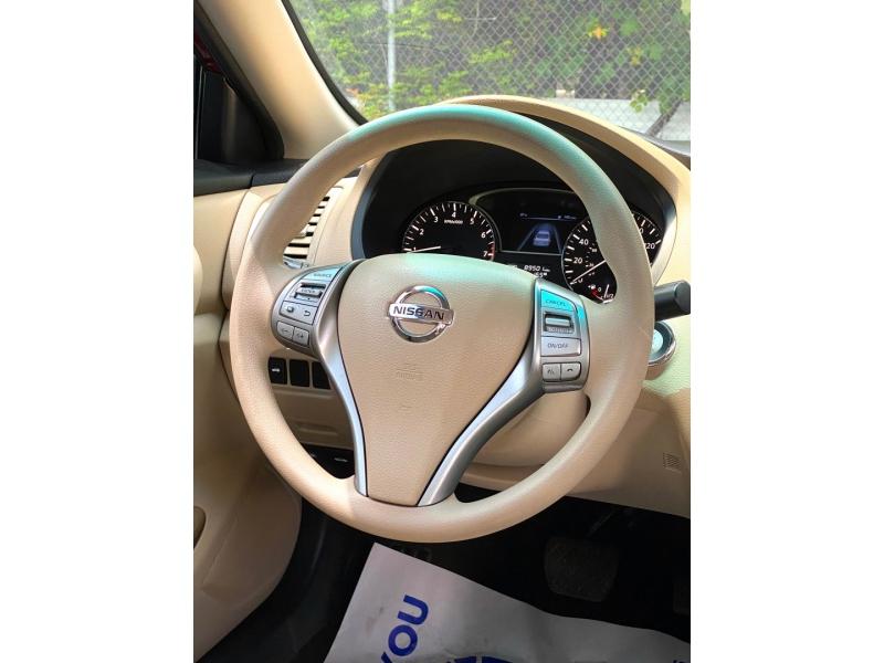 Nissan Altima 2015 price $10,900