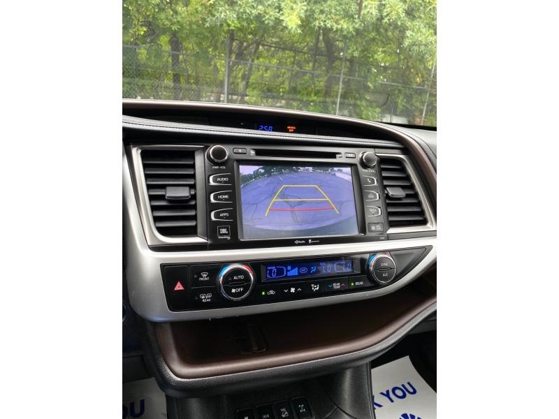 Toyota Highlander 2015 price $23,900