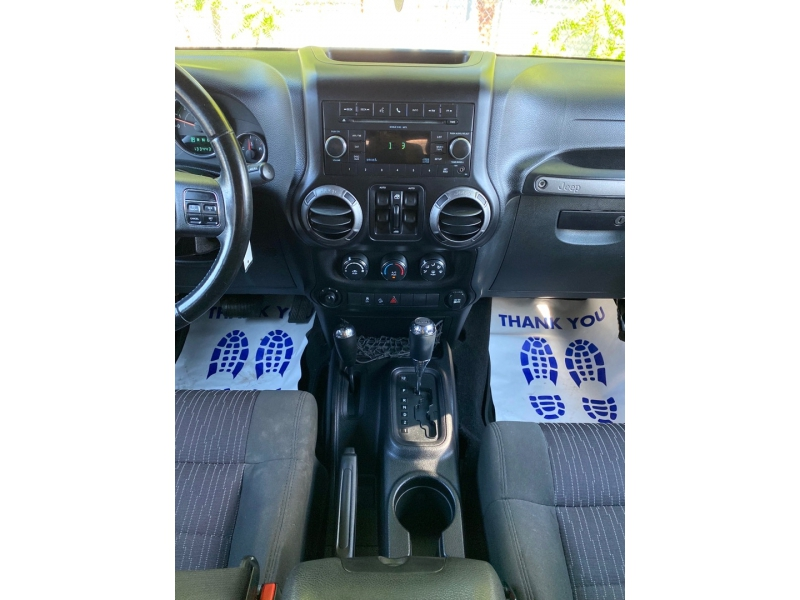 Jeep Wrangler Unlimited 2011 price $17,900