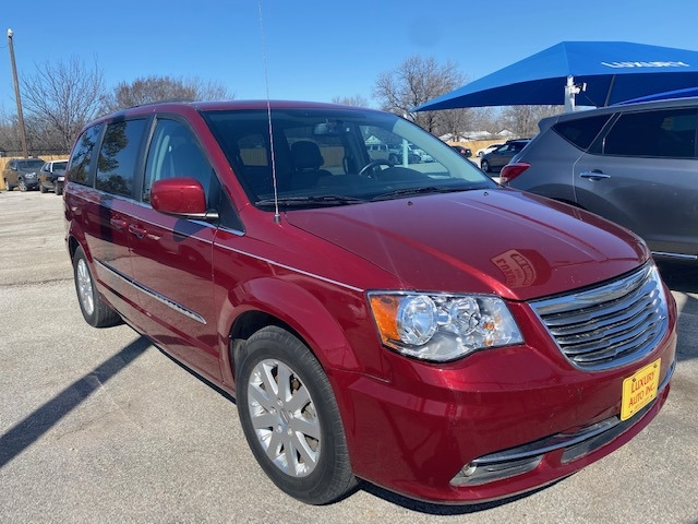 Chrysler Town & Country 2016 price Call Dealer