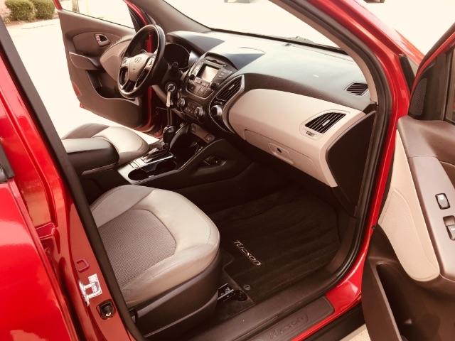 Hyundai Tucson 2015 price $2,800 Down