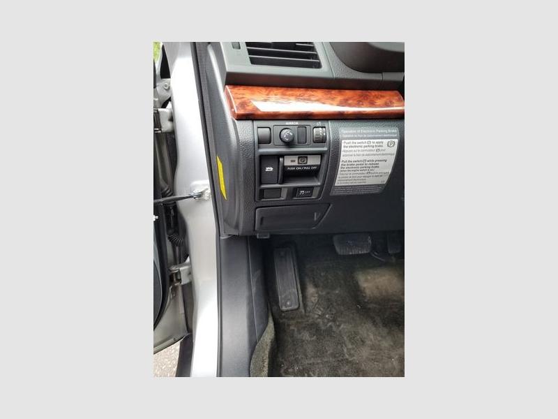 Subaru Legacy 2012 price $8,890