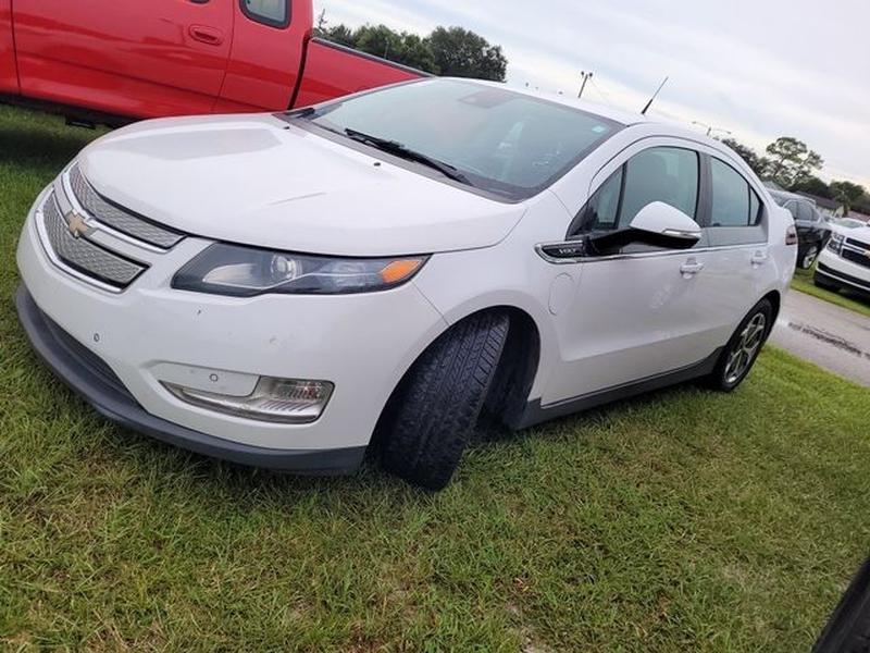 Chevrolet Volt 2013 price $8,950