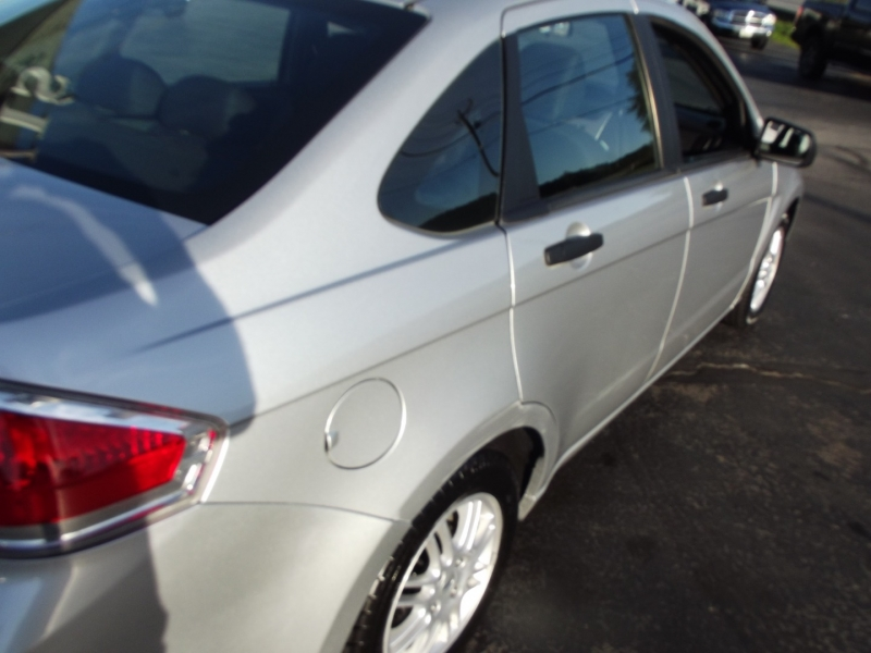 Ford Focus 2011 price $8,495