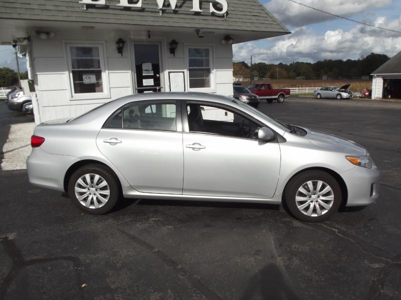 Toyota Corolla 2013 price $10,500