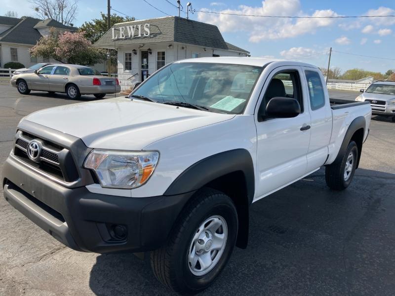 Toyota Tacoma 2015 price $20,995