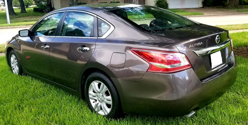 Nissan Altima 2013 price $800 Down