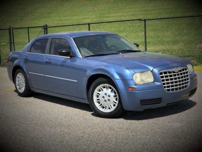 Chrysler 300 2007 price $800 Down