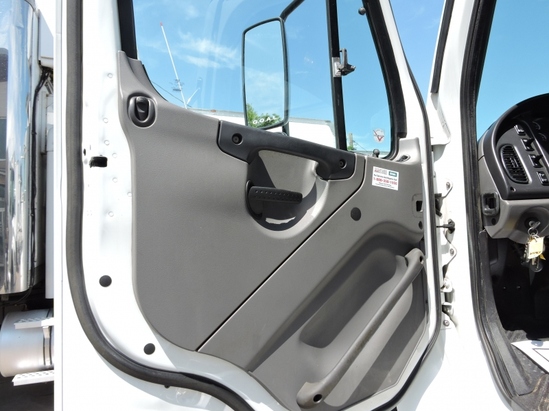 Freightliner M2 24 FOOT 2011 price $29,990