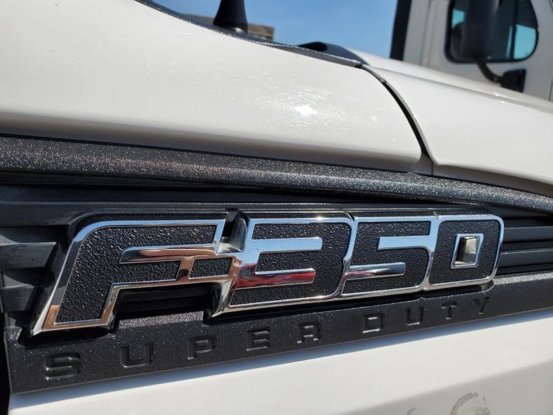 Ford Super Duty F-350 DRW 2015 price $16,990
