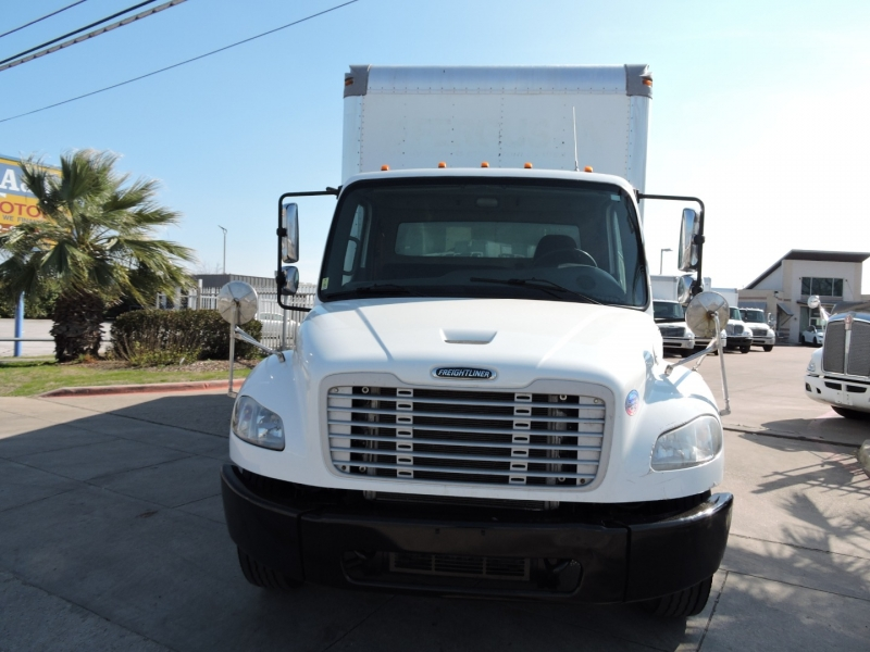 Freightliner M2 24 FOOT BOX LIFTGATE 2015 price $36,990