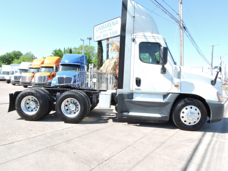 Freightliner CASCADIA DAY CAB 2015 price $49,900