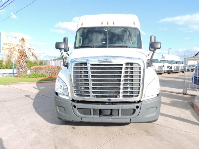 Freightliner CASCADIA SLEEPER 2015 price $51,900