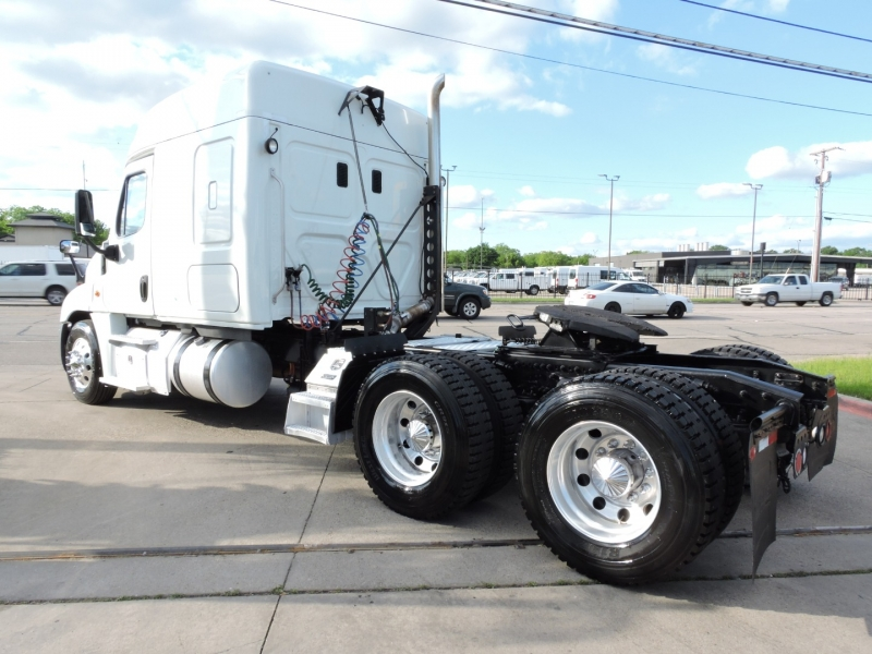 Freightliner CASCADIA SLEEPER 2015 price $52,900