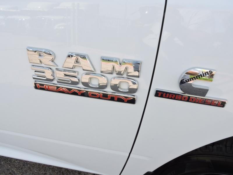 Dodge Ram 3500 2016 price $25,990
