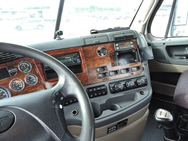Freightliner CASCADIA DAY CAB 2012 price $39,900