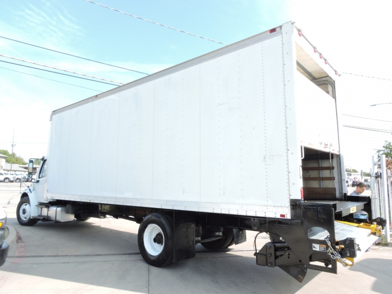 Freightliner M2 26 FOOT BOX LIFTGATE 2007 price $36,900