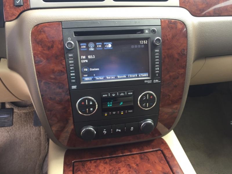 Chevrolet Suburban 2014 price $20,995