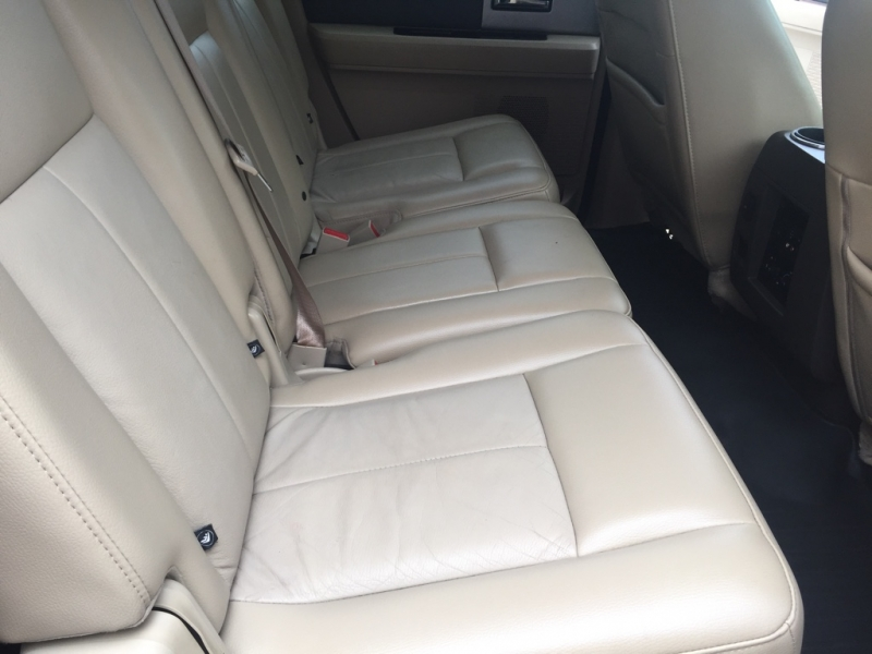 Ford Expedition EL 2014 price $18,995