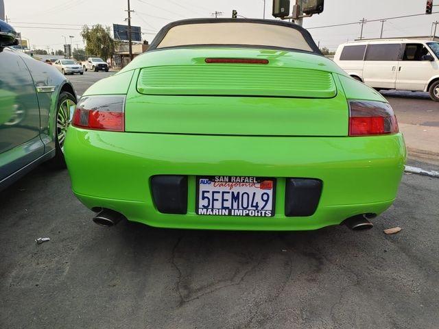 Porsche 911 2000 price $18,999