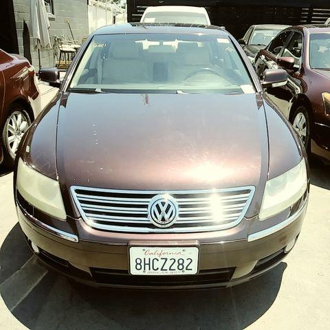 Volkswagen Phaeton 2004 price $7,999