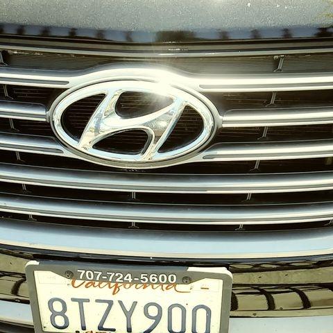 Hyundai Santa Fe 2017 price $15,999