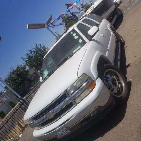 Chevrolet Suburban 1500 2005 price $7,999