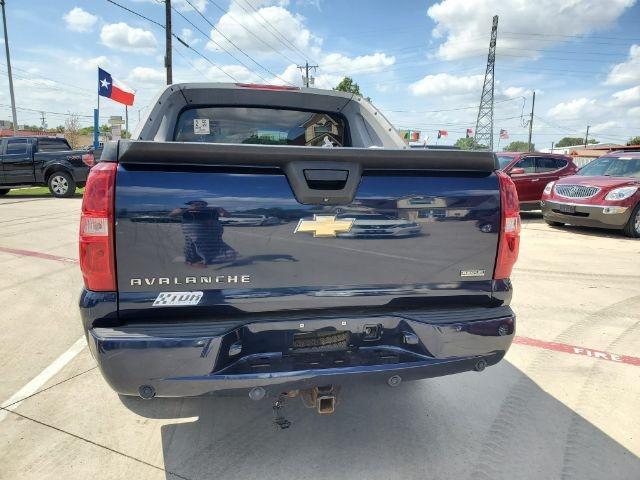 Chevrolet Avalanche 2009 price $3,000
