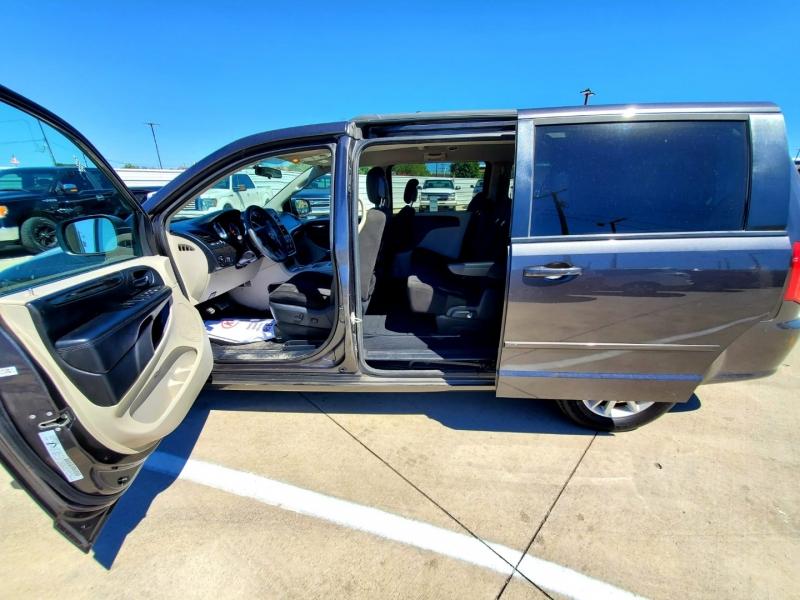 Dodge Grand Caravan 2016 price $2,000