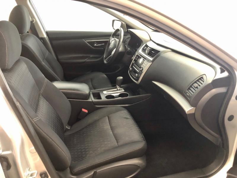 Nissan Altima 2017 price $11,997