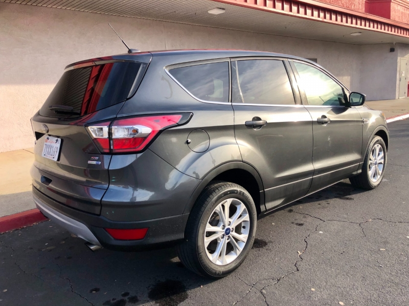 Ford Escape 2017 price $13,975