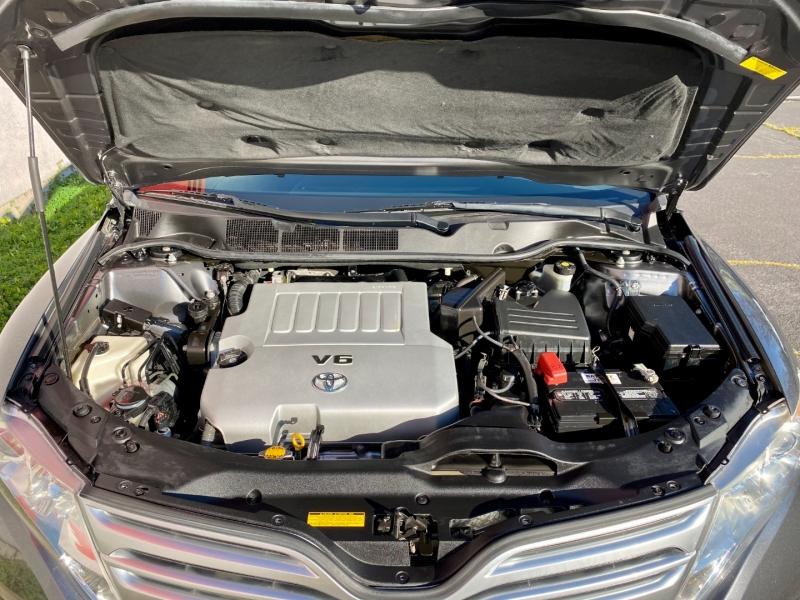 Toyota Venza 2010 price $9,945