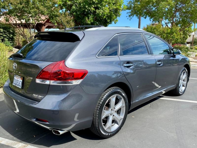 Toyota Venza 2013 price $14,845