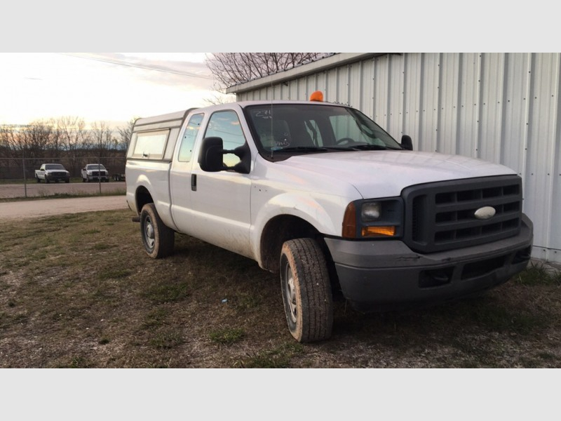 FORD F250 2005 price $11,999