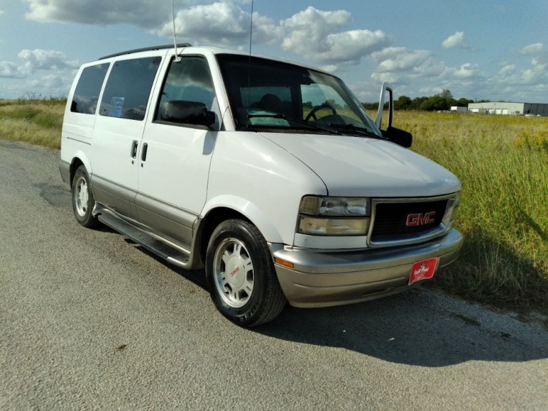 GMC SAFARI 2003 price $7,999