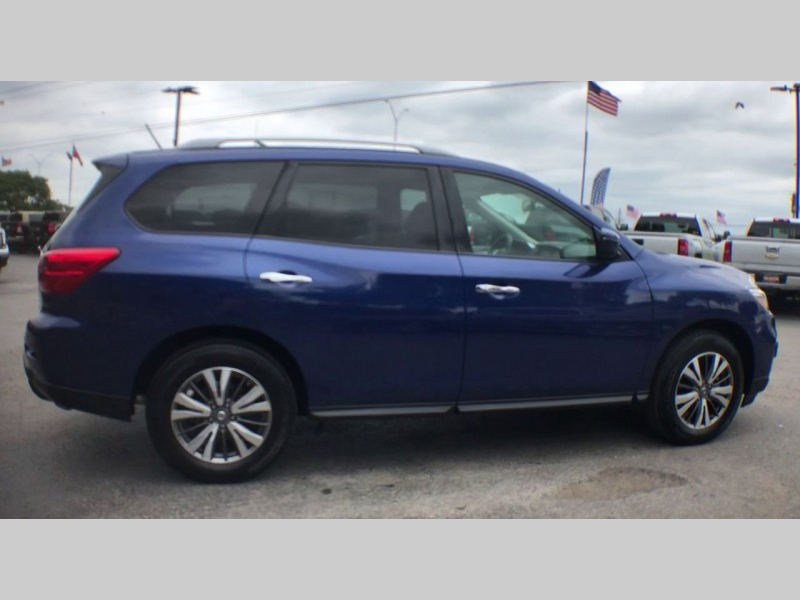 Nissan Pathfinder 2018 price CALL FOR PRICE