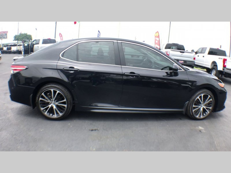 Toyota Camry 2018 price CALL FOR PRICE